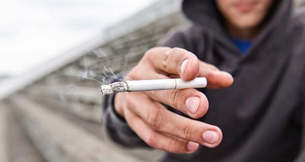 7 منطق رایج برای کشیدن سیگار و راهکار مقابله با آن ها (1)